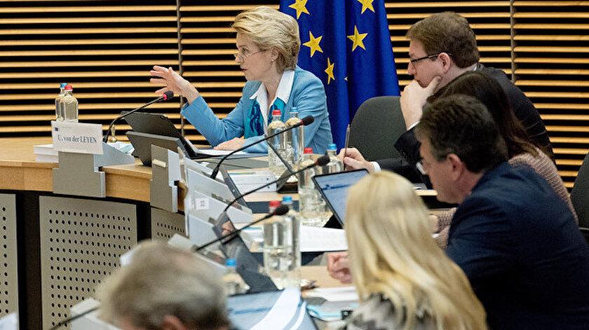 AB Komisyonu üyeleri haftalık toplantısını tamamladı.