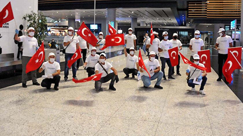 Türk işçiler, özel izinler alındıktan sonra Türk Hava Yolları'ndan kiralanan uçakla Malta'ya gittiler.