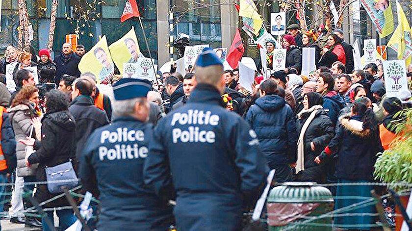 Avrupa'daki teröristler ve paçavraları