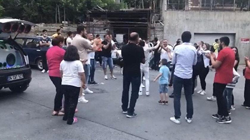 İstanbul'da asker uğurlamasında hayret verici görüntüler kaydedildi.