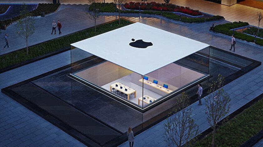 Apple, Türkiye'deki iPhone fiyatlarına zam yaptı.
