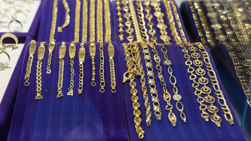 Gram altın 394,2 lira seviyesinde seyrediyor.