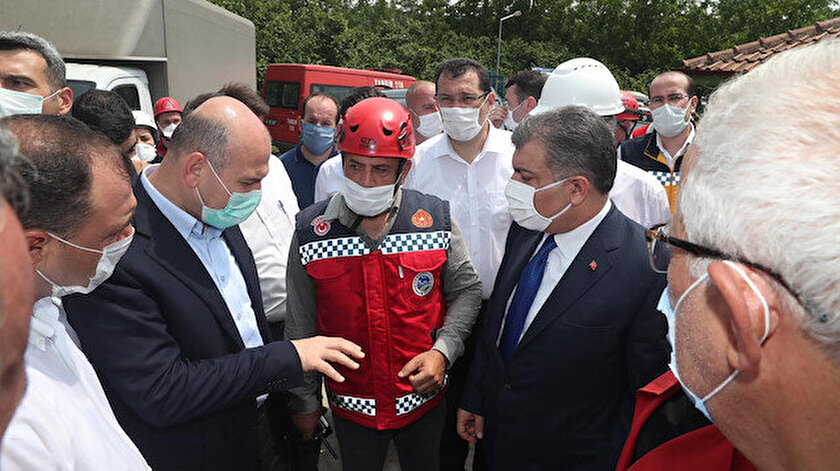 İçişleri Bakanı Süleyman Soylu Soylu ve Sağlık Bakanı Fahrettin Koca facia bölgesinde incelemelerde bulundu.