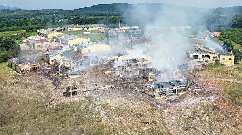 Sakarya'da patlama meydana gelen havai fişek fabrikası havadan görüntülendi.