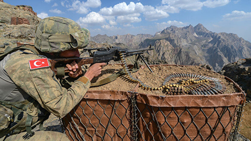 Yurt içinde ve sınır ötesindeki operasyonlar hız kesmeden devam ediyor.
