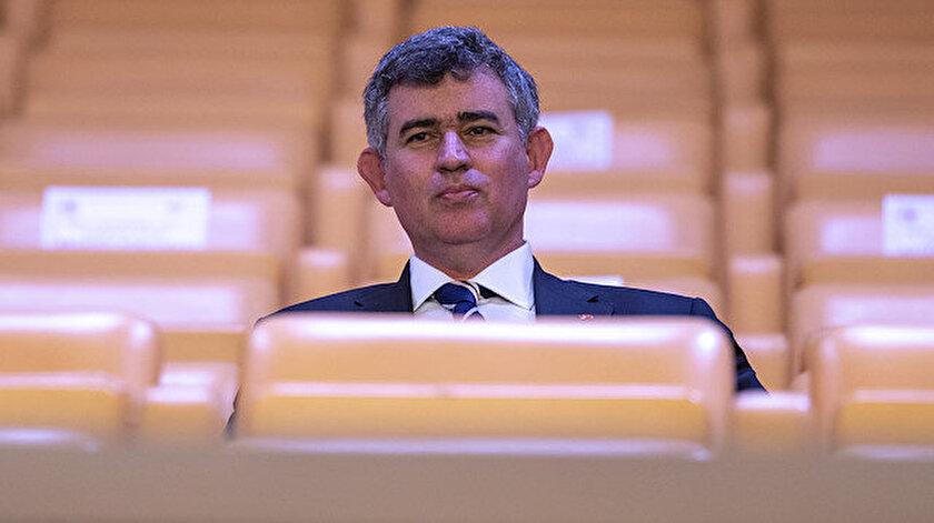Metin Feyzioğlu, izleyici locasından bir süre TBMM Genel Kurulu çalışmalarını izledi.