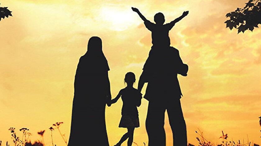 Yaşantısı, sözleri ve davranışları ile bütün insanlığa örnek olacak aydınlık bir medeniyet inşa eden Hz. Muhammed, her çağda Müslümanlar için en mükemmel örnek olarak kabul edilmiştir.