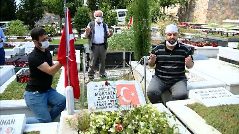 15 Temmuz Şehidi Mustafa Cambaz'ın kabri başında Kuran'ı Kerim okunup dualar edildi.