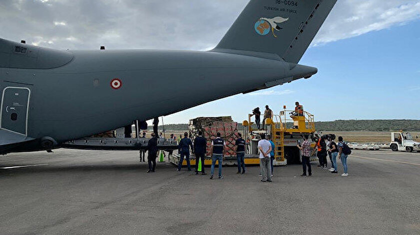 A 400M tipi dev nakliye uçağı, başkent Karakas'taki Simon Bolivar Uluslararası Havalimanı'na indi.
