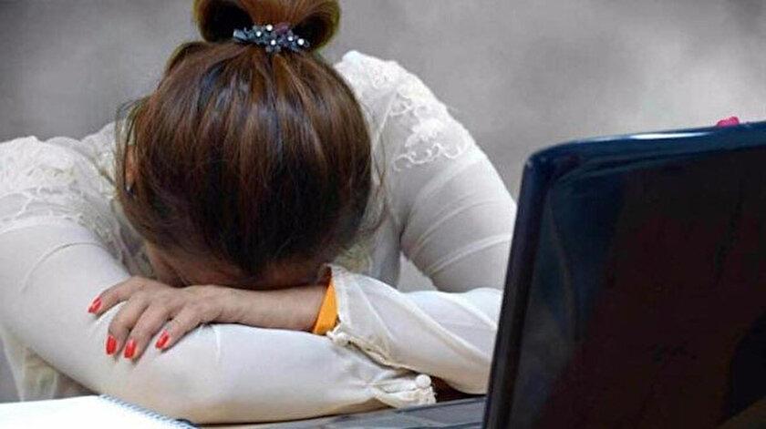Mesaide uyumanın cezası: İşyerinde uyumak tazminatsız kovulma sebebi