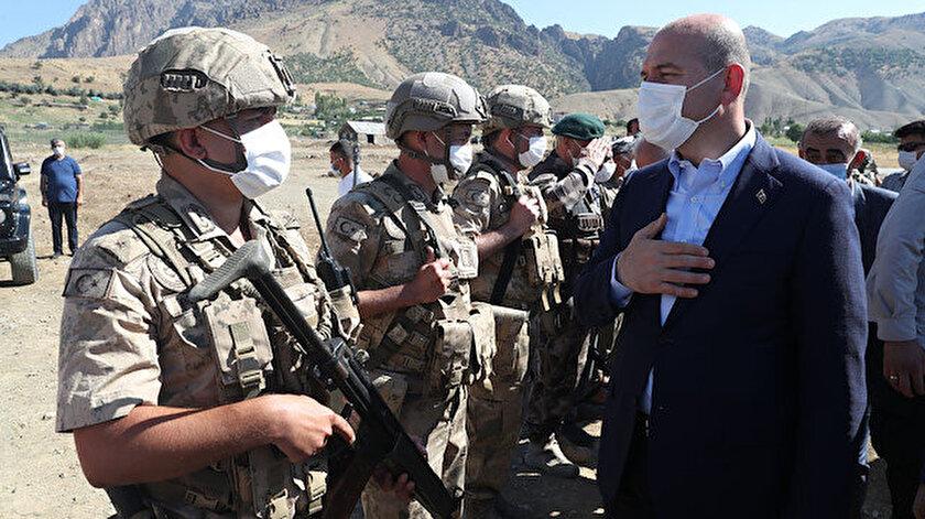 İçişleri Bakanı Süleyman Soylu, Kurban Bayramı nedeniyle Siirt Pervari Doğan Üs Bölgesini ziyaret etti.