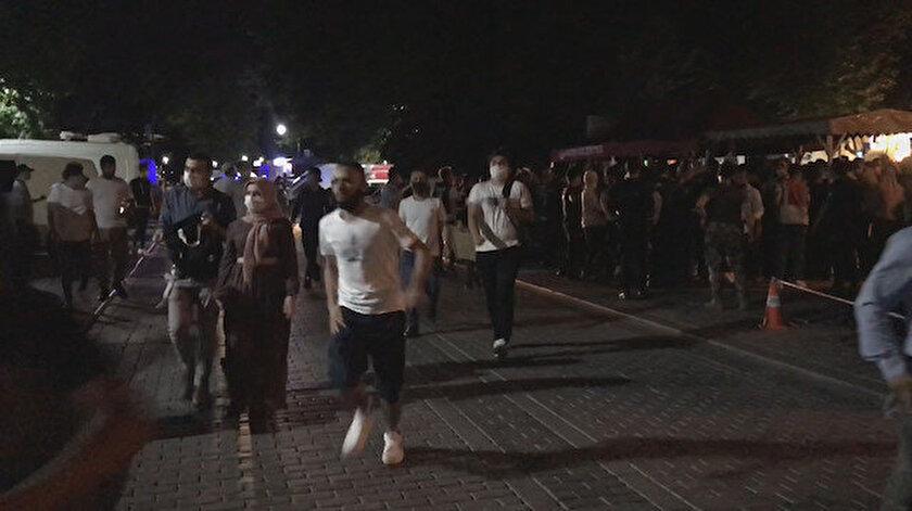 Kontrol noktasını geçen vatandaşlar koşarak camiye gitmeye başladı.
