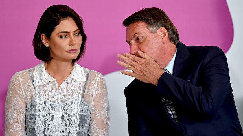 Jair Bolsonaro ve eşi Michelle Bolsonaro.