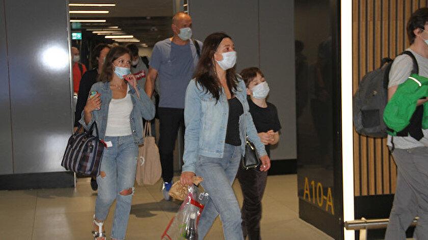 İlk Rus turistler THY uçağı ile İstanbul'a geldi.