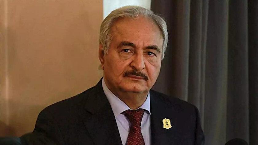 Halife Hafter, ziyaret ettiği birlikte Türkiye'ye tehditler savurdu.