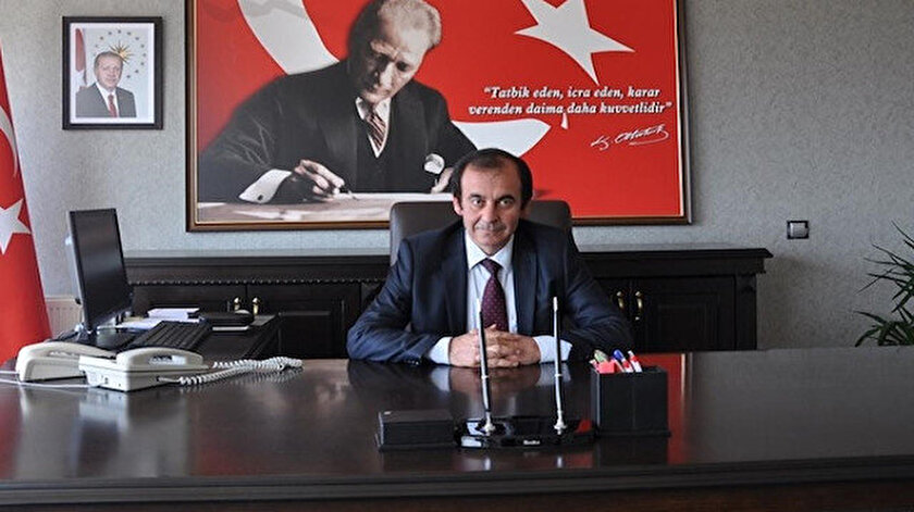 Koronavirüse rağmen yoğunluk ile gündem olan Çeşmede kaymakam Mehmet Kara görevden alındı