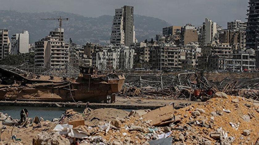 Beyrut Limanı'nda 4 Ağustos'ta patlayıcı maddelerin bulunduğu 12 numaralı depoda önce yangın çıkmış ardından tüm kenti sarsan çok güçlü patlama meydana gelmişti.