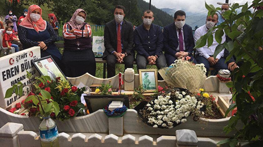 Eren Bülbül, mezarı başında dualarla anıldı.
