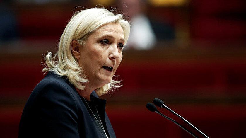 Fransa'da aşırı sağcı Ulusal Birlik Partisinin lideri Marine Le Pen açıklama yaptı.