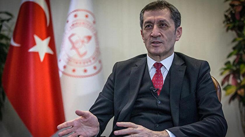 Milli Eğitim Bakanı Ziya Selçuk.