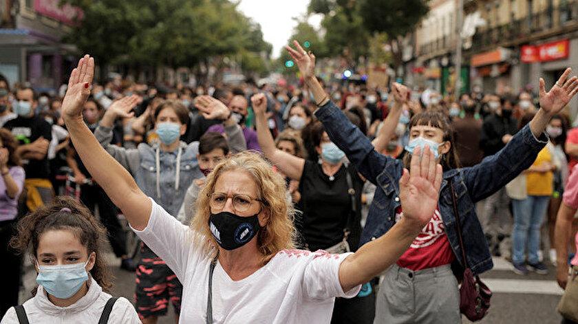 Madrid'de kısıtlamalar protesto edildi.