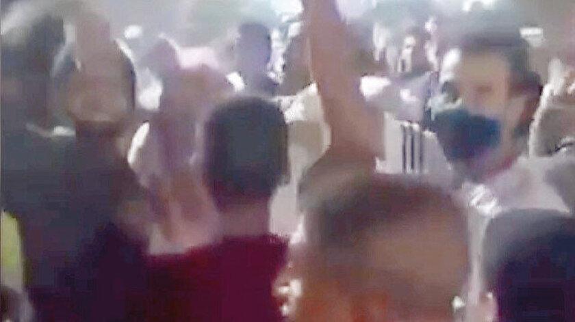 Mısır'da halk, darbeci Sisi'ye karşı protesto gösterileri düzenledi.