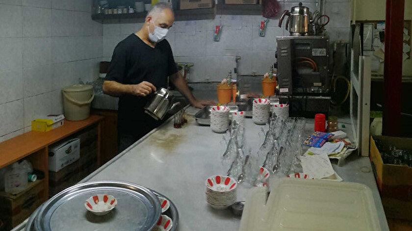 Kahvehane işletmecisi Turgay Ateş.