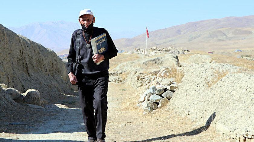 Mehmet Kuşman, Türkiye'de Urartuca'yı bilen 7, dünyada ise yine az sayıda kişilerden biri.