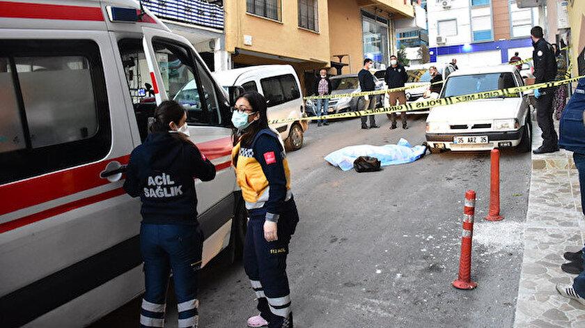 İzmir'de bir kişi sokak ortasında ölü bulundu.