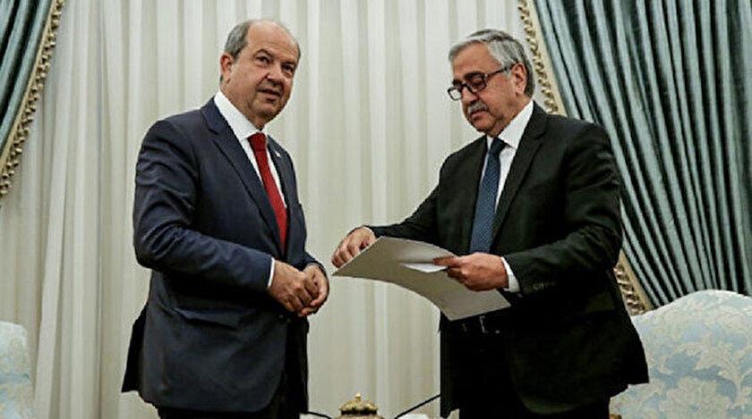 KKTC'nin 5. Cumhurbaşkanı Ersin Tatar, Mustafa Akıncı ile birlikte.