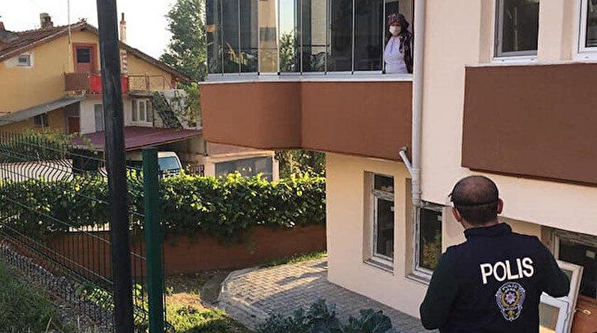 Vatandaşlar telefonla aranarak balkon ve pencerelere çağrıldı, ihtiyaçları soruldu.