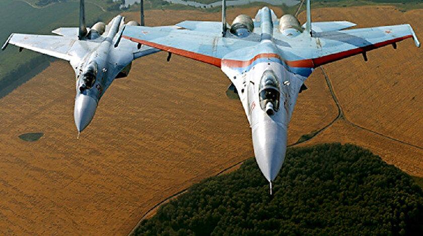 Rusya'ya ait Su-27 tipi uçaklar.