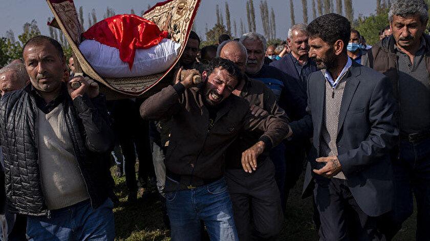 Ermenistan'ın saldırısında ölen Azerbaycanlı 21 sivil son yolculuğuna uğurlandı.