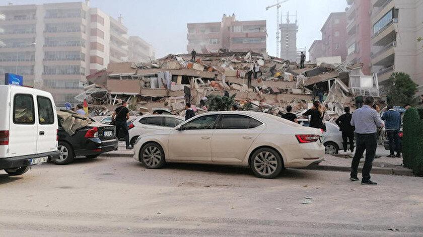 Son dakika... İzmirde korkutan deprem: İzmirde kaç büyüklüğünde deprem oldu?