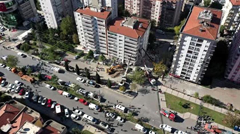 Yılmaz Erbek Apartmanı'nın zemin katında yer alan üç katta çökme meydana geldi.