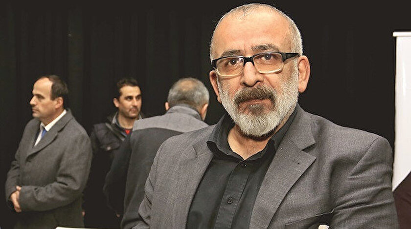 Akşam Gazetesi'nde köşe yazarlığına devam eden Kekeç, son yıllarda çalışmalarını roman üzerine yoğunlaştırmıştı.