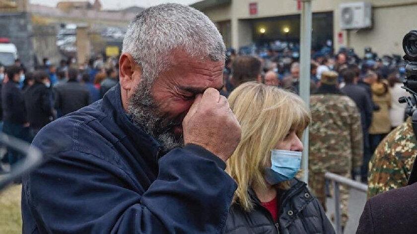 Aileler Savunma Bakanlığı önünde toplandı.