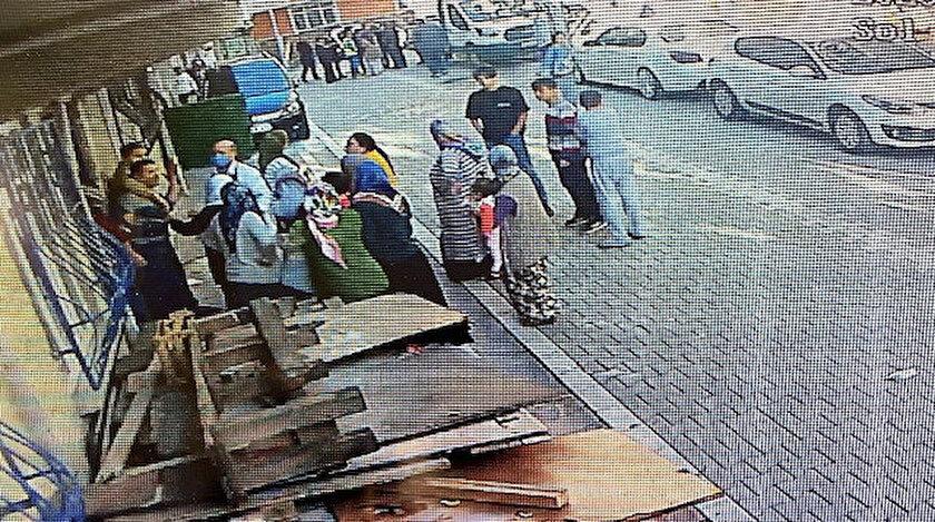 İki grup arasındaki kavga güvenlik kameralarına yansıdı.