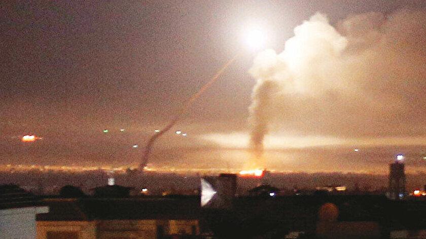 İsrail ordusu sözcüsü Avichai Adrai, bombalamanın Şam Uluslararası Havaalanı yakınlarındaki İran güçlerinin ana karargahı olarak kullanılan bir kampı ve Şam'ın güneydoğusundaki üst düzey İranlı yetkililerin kaldığı lokasyonu hedef aldığını dile getirdi.