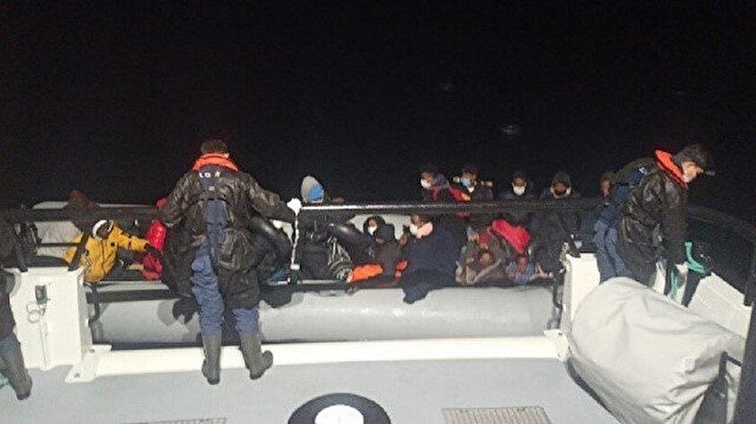 Yunan unsurlarınca Türk kara sularına itildiği belirtilen bottaki 34 kişi kurtarıldı.
