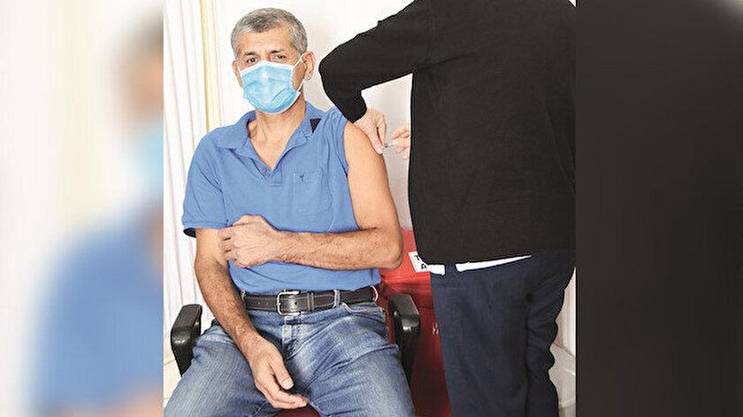 Koronavirüs aşısı bugüne kadar 726 gönüllü sağlık çalışanı üzerinde uygulandı.