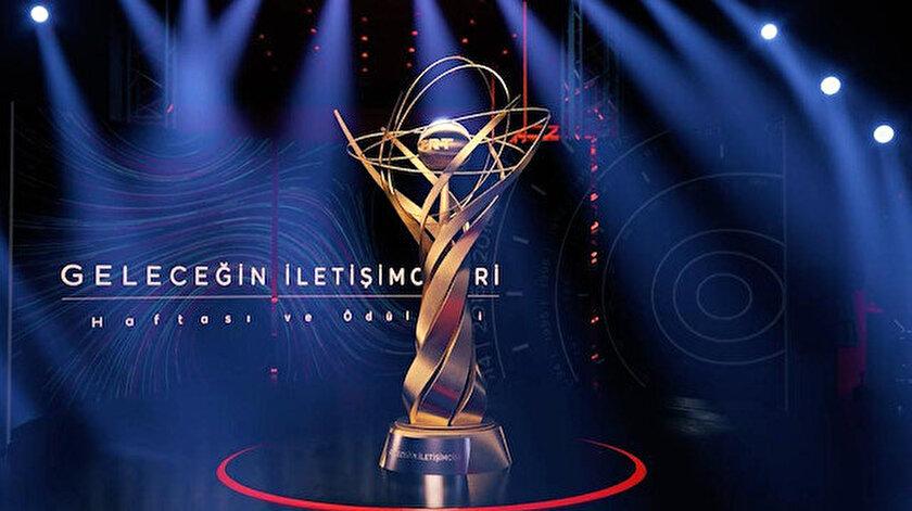Bu yıl ödüller; her alt kategorinin birincisine 6 bin TL, ikincisine 5 bin TL ve üçüncüsüne 4 bin TL olarak belirlendi.