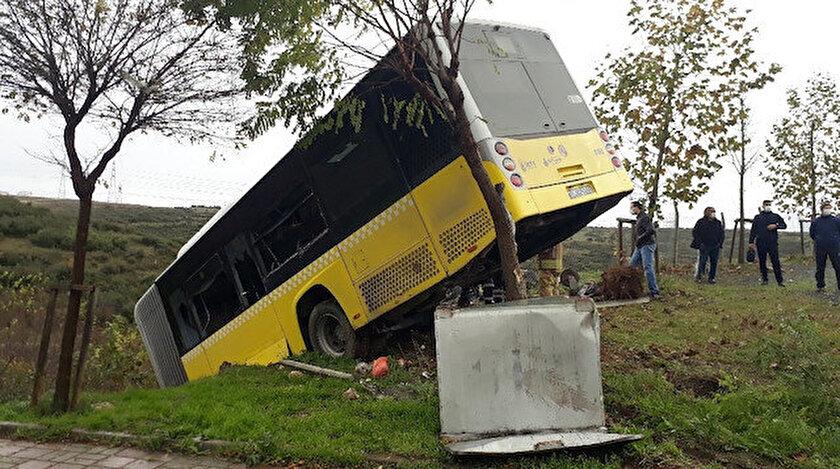 Kaza anında otobüste yolcu olmaması faciayı önledi.