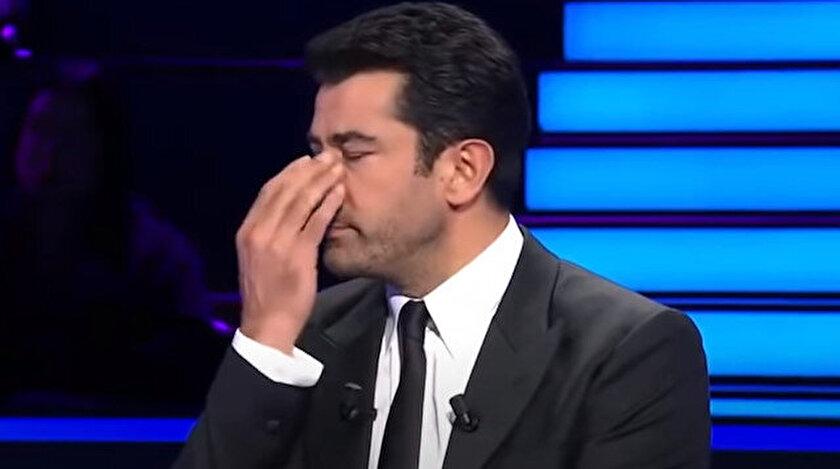Kenan İmirzalıoğlu gözyaşlarını tutamadı.