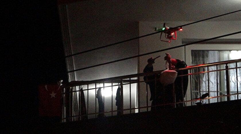 Adana'da evlere drone ile şırdan servisi yapıldı.
