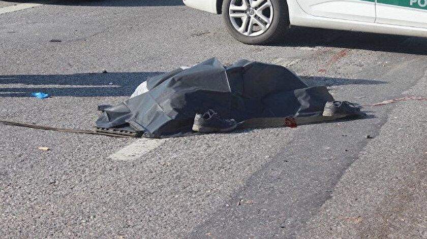 İsmi öğrenilemeyen otomobil sürücüsünün hayatını kaybettiği belirlendi.