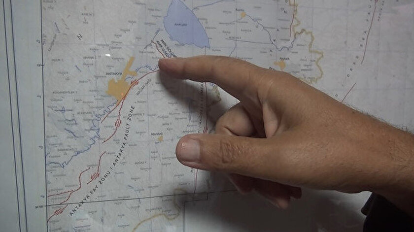 Uzmanlar denizdeki bir fay hattının kırılması halinde tsunami oluşabileceği uyarısında bulunuyor.