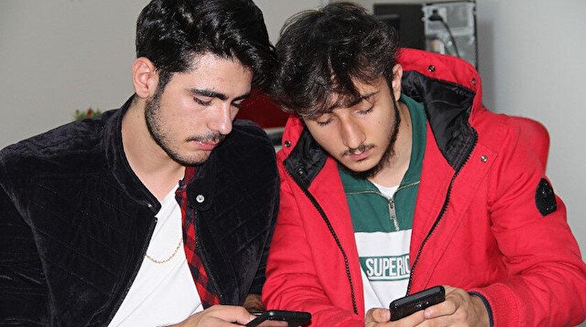 Lise öğrencileri Arda Kılıç ve Mert Ergün Instagram'dan gelen teklifle şaşkına döndü.