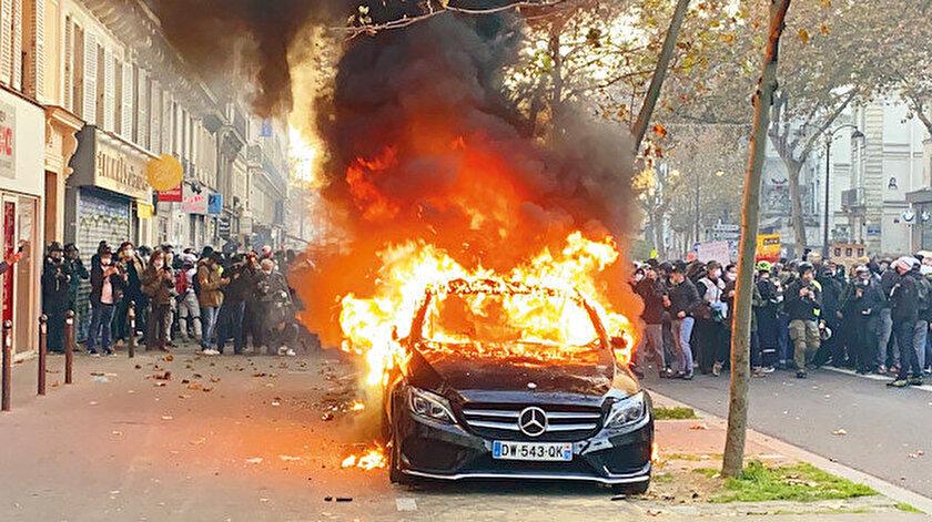 Paris'i yakan öfke: Fransada Merkez Bankası mı yakıldı?