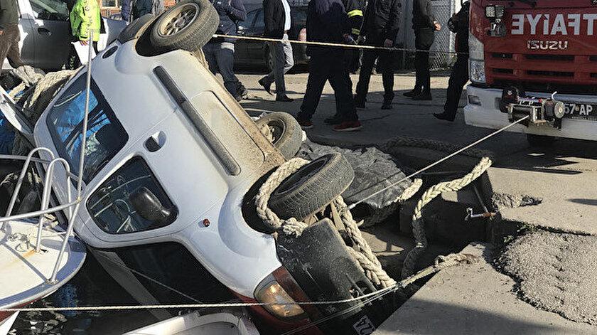 Necdet Dikmen'in aracı kazada takla atarak balıkçı teknelerine çaprtı.